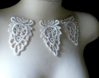 3 Lace Appliques in IVORY for Jewelry Supply, Garments, Costume Design