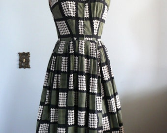 vintage 1950s Dress  // houndstooth green dress