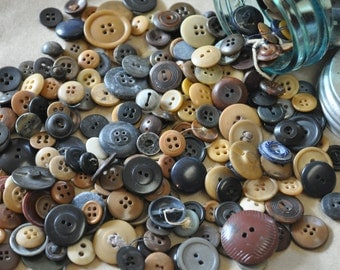 12 ounces of Vintage and Antique Primitive Style Buttons - Wonderful for Prim Crafts! - Farmhouse Style - Cottage Crafts - Brown Buttons