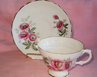 Vintage TEACUP SAUCER ENGLAND Rose Pink Floral Chrysanthemum Mum Flowers Bone China Scalloped Tea Cup Plate Set Gold Gilt Trim Victorian