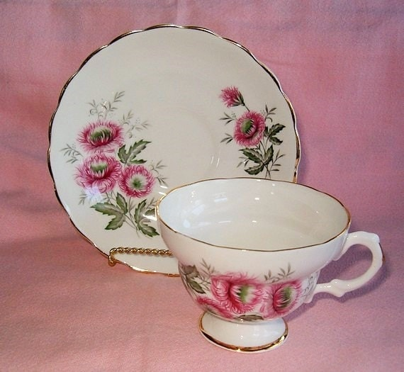 Vintage Rose Pink Floral Chrysanthemum Mum Flowers England Bone China Scalloped Teacup Saucer Tea Cup Set
