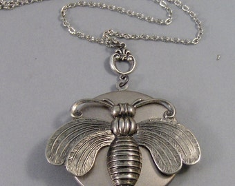 Bee Keeper,Bee,Locket,Necklace, Silver Locket. Antiqued Silver,Charm,Wings,Honey,Mother,Bee Necklace,Large Locket,Bee  valleygirldesigns.