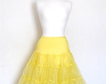 Pale Yellow Tulle Petticoat - Full Fifties Style - Underskirt - Prom - Full Petticoat - Bridesmaid