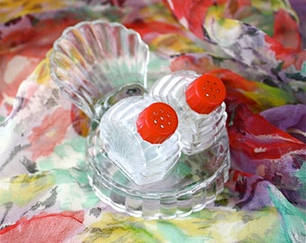 Vintage 40s Glass Salt & Pepper Shakers Glass Stand w Red Plastic Top Miniature  Shakers