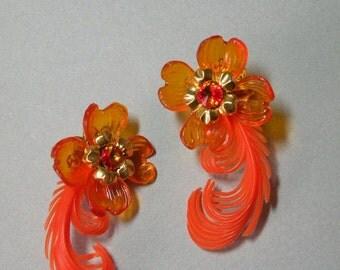 Hyacinth Flower & Feather Earrings