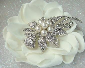 Ivory Wedding Flower hair clip with rhinestone flower and pearl centerpiece / vintage wedding bridal flower comb