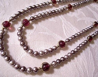 Grey Pearls Purple Accent Necklace Gold Tone Vintage Avon Spinning Beads Round Open Rings 36 Inches Long