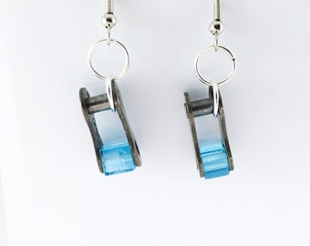 blue bicycle jewelry cube earrings, blue bicycle earrings, bike chain earrings, cyclist jewelry, bicycle gifts, mountain bike earrings