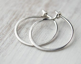 Hammered Sterling Silver Hoops, Tiny Hoop Earrings, Classic Silver Wire Hoops, Minimalist, Modern Jewelry, Gift, EAR002