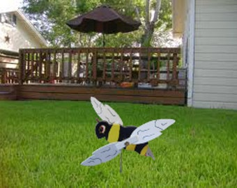 Bumble Bee  Whirligig Lawn Ornament