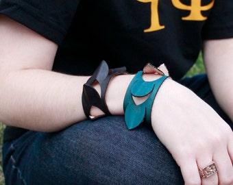 Spiky Scales Leather Bracelet