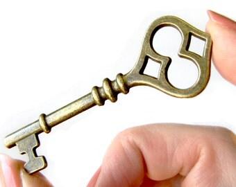 10 Antique Bronze Skeleton Keys Pendants | Vintage Keys Charms | Wedding Key Pendants 60x21mm - Lead, Nickel & Cadmium Free 65634.H5F