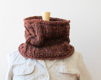 Hand knit brick red brown chunky cowl / autumn rust brown neck warmer / urban rustic thick neck cozy / red granite color / minimalist style