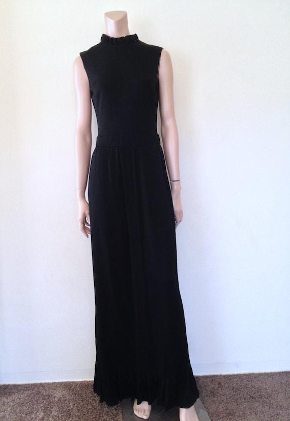 Black Maxi Dress Vintage Sleeveless Ruffle Collar and Hem 1960's Size 8/10
