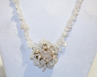 Very Pretty Pink Stone Bead Necklace With Beaded Flower Center