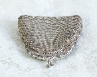 A Very Pretty Vintage French Woven Silver Velvet Lined Evening Purse