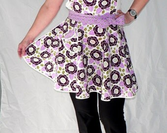 50s Style Circle Skirt Apron - Lilac Bloom - sweetheart neckline, flirty pin up apron - READY TO SHIP