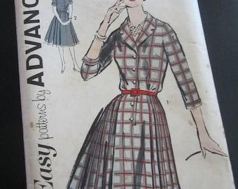 "Vintage 1960s Dress Pattern Advance 2730 32"" Bust - Shirtwaist Day Dress"