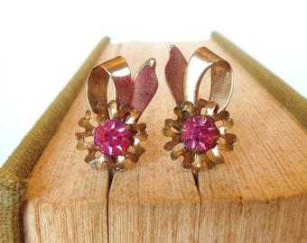 Vintage Rhinestone Pink Bows Screw Backs Gold 50's (item 69)