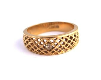 Avon Vintage Gold Ring  ///  Size 9