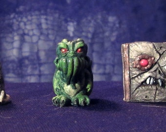 H.P. Lovecraft UV Glow Collectable Miniatures (Set of 5)
