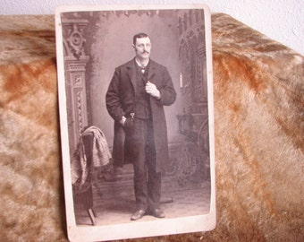 Cabinet Card Photo Distinguished Gentleman