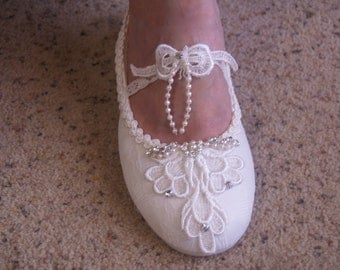 Bridal Flat shoes Marie Antoinette style French Lace Ivory US Size 5 to 11,Mary Janes Victorian Slipper,Great Gatsby,Old Hollywood
