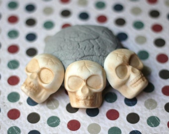Fondant Cupcake Toppers - Classic Vintage Halloween Skulls Fondant Toppers