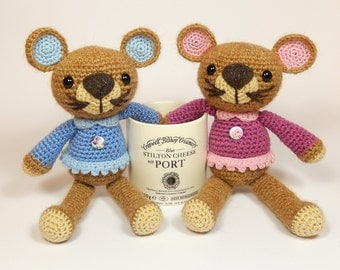 Missy Mouse, Amigurumi Crochet Mouse Pattern.