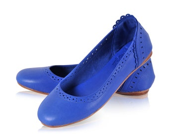 ULUWATU. Blue shoes / leather flats / blue leather shoes / womens shoes / ballet flats / blue flats. Available in different leather colors.