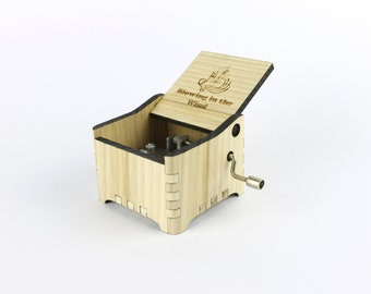 Blowing in the wind - Bob Dylan + Your Engraving on the music box