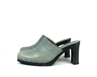 90s Platform Leather Clogs 8 - Calvin Klein High Heel Clogs 8 - Grey Leather Slip On Mules 8
