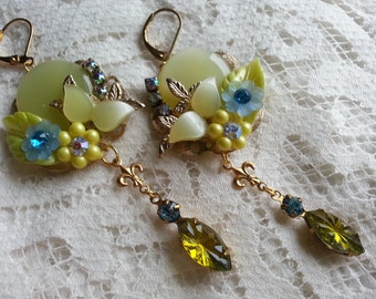 TROPICAL CHARTREUSE Vintage Assemblage Dangle Earrings Fun and Swingy Fleur di lis Summer Jewelry Aurora Borealis
