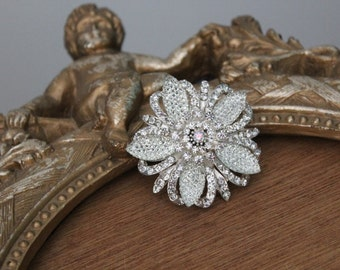 Beautiful silver color hair clip  with sparkling rhinestones   1  piece  listing