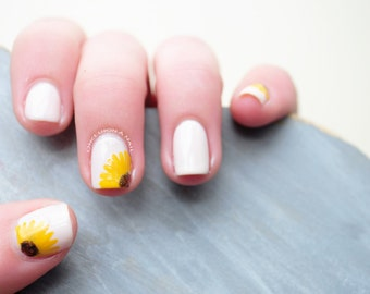 Sunflower Hand Painted Fake Nails
