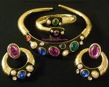 Amazing Gold Tone Black Enamel Multi Colored Gems Cabochons Rhinestone Pearls Jewelry Sets Flexible Spring Hinged Necklace Bracelet Earrings