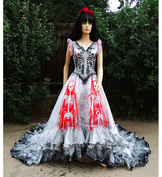 Dia De Los Muertos Bride // Skeleton Dress Halloween Costume