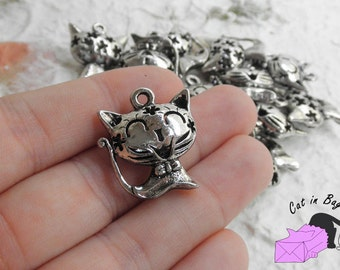 1 Charm with cat (3D) - antique silver tone - SP43