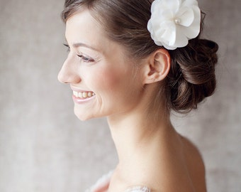 "Bridal Silk Flower, Wedding Hair Flower, Headpiece - ""Anais"""