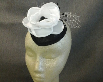 Black and White Flower Fascinator Hat