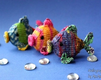 Amigurumi fish knitting pattern, easy knitting tutorial with pictures and written instruction