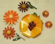 Nice Fall colors retro 60's mod enamel flower power pin brooch earrings lot