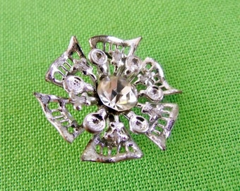 Vintage Silver-Tone Brooch (Item 1144)