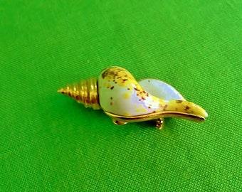 Vintage Rene Shell Brooch (Item 1770)