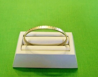 Vintage Gold Bangle Bracelet (Item 1228)