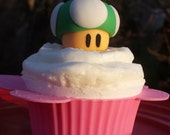 1UP super mario mushroom fondant cake toppers/cupcake toppers