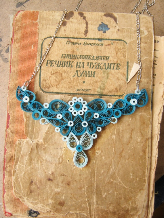 Paper necklace, 1st anniversary gift for her, choose your color gift ...