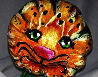 Tiger Lily is a tiger sculpture decorative gourd