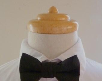 Black linen baby bowtie / boys bowtie / children's bowtie