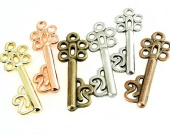 Vintage Key Pendants / Charm QTY: 8 Key Pendants SKU#PKL0006